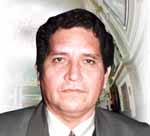 Congresista Roger Santa María